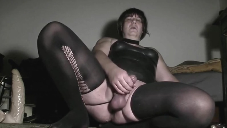bd jerkoff11 First anal quest gif