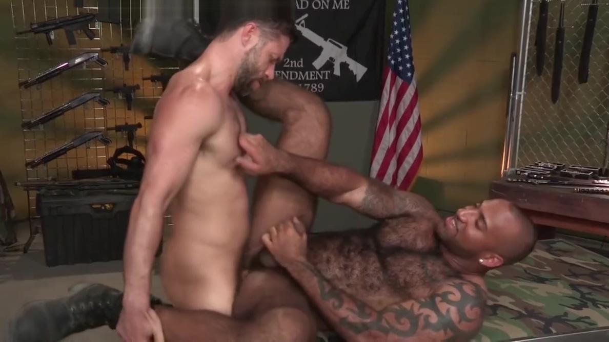 Gun Show (Daymin Voss, Tristan Jaxx) 1080p gay boys free young