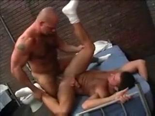 Follando en la Carcel What men over 50 want in a woman