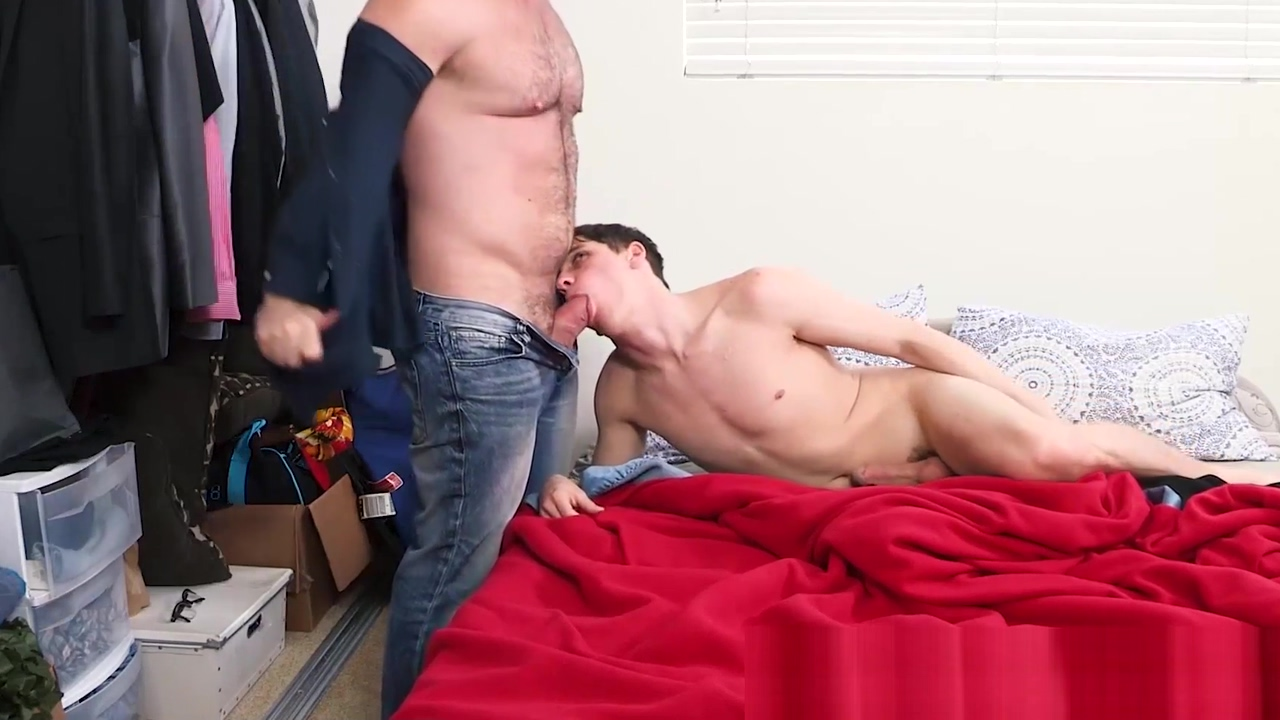 Hairy and hunky stepdad barebacks his twink stepson Meet chat room