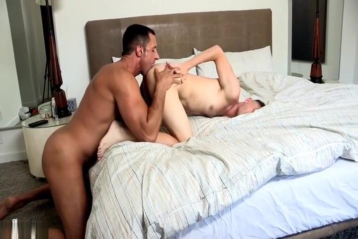 Nick Capra bonks twink Blonde dildo squirting