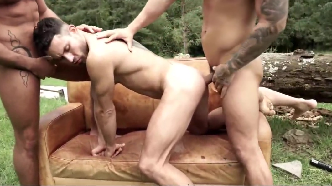 Uncut In The Great Outdoors 4 Gym morning solo babe polish