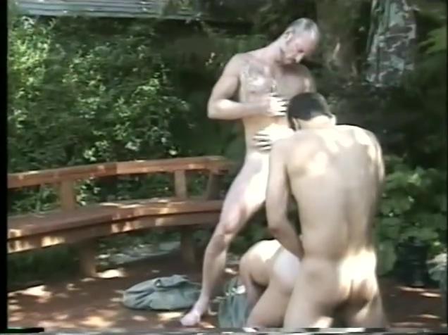 Outdoor Group Love - Altomar 1 finger handjob
