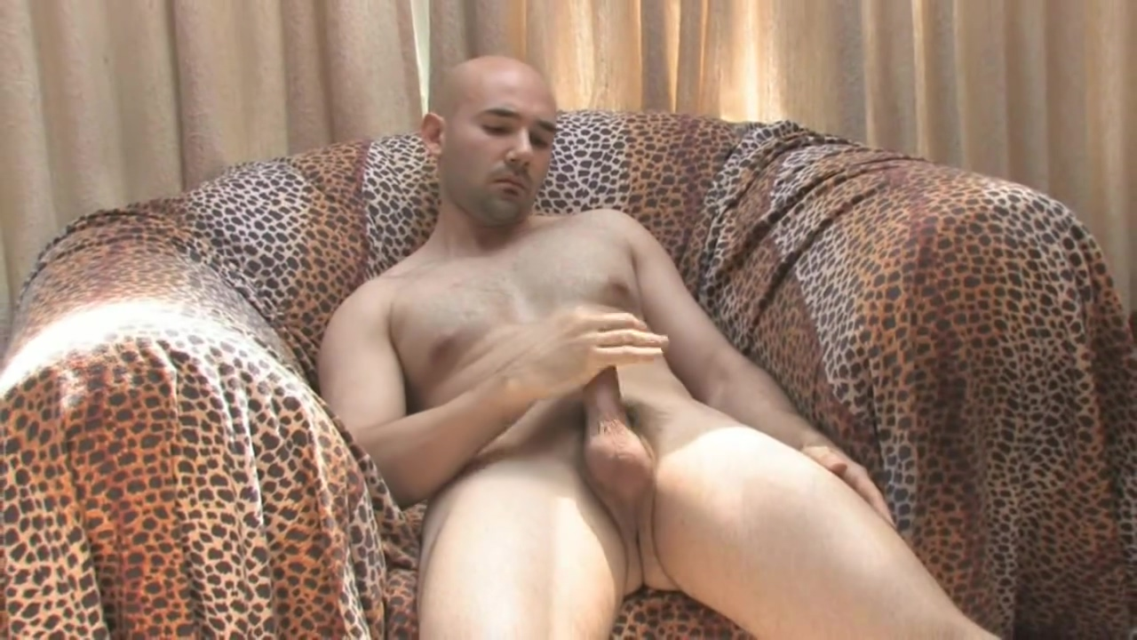 Hot man jerks his cock Fur geld gefickt