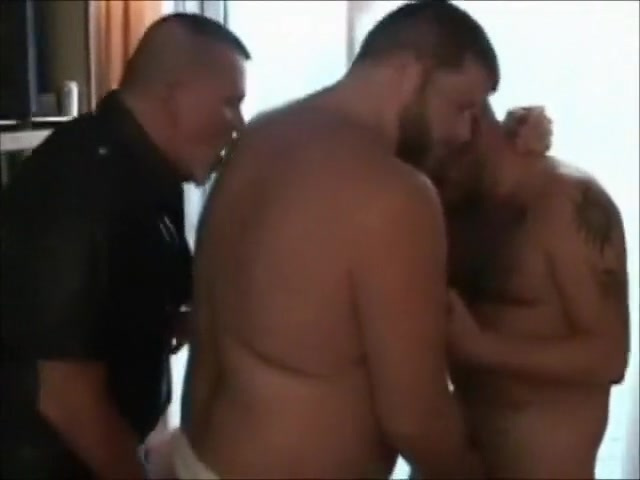 bear voyage 1 pt 1 Nudr big booty white girl