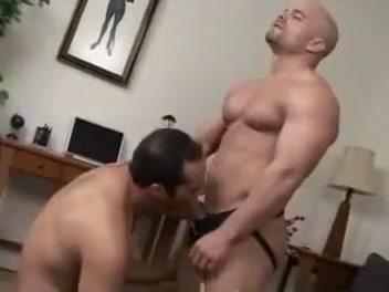 Muscular hotties have bareback sex Big Wet Butt Sex