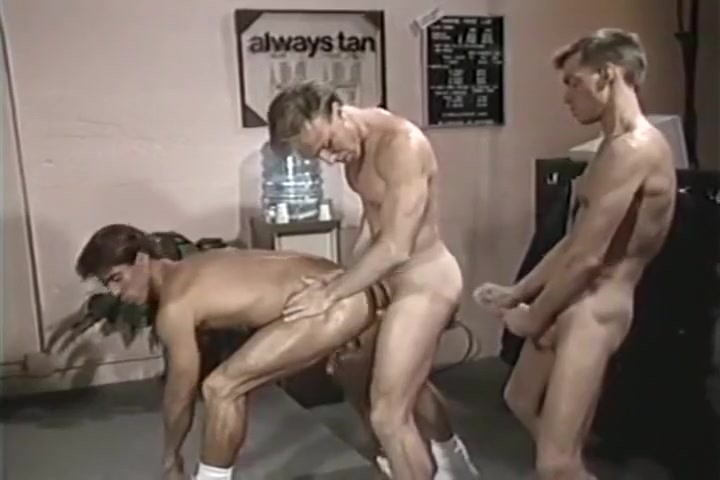 Fucking bareback in a gym nel zelpher and albel porn