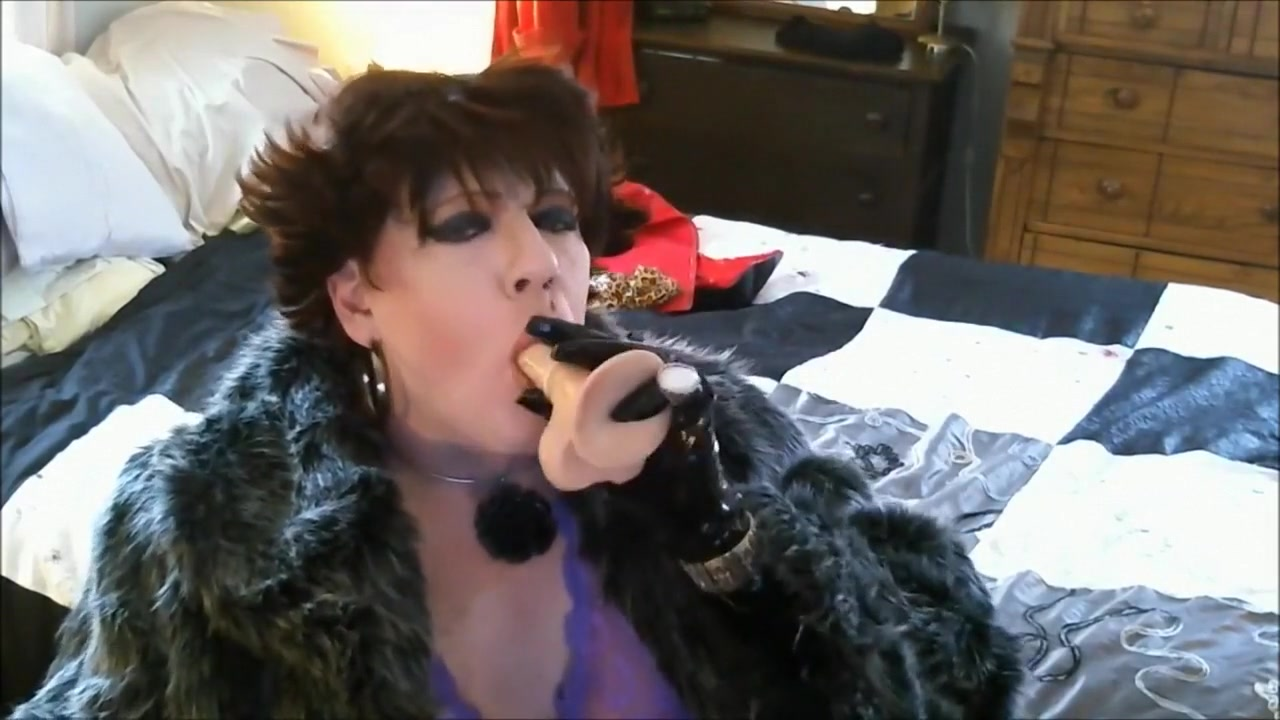 Smoking My Dildo Real homemade father and daughter hidden cam free