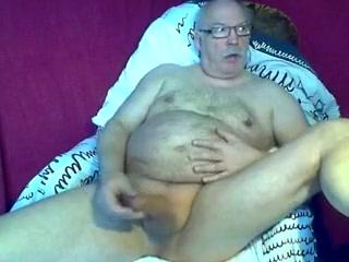 Chub-Older Fergie nude show pussy