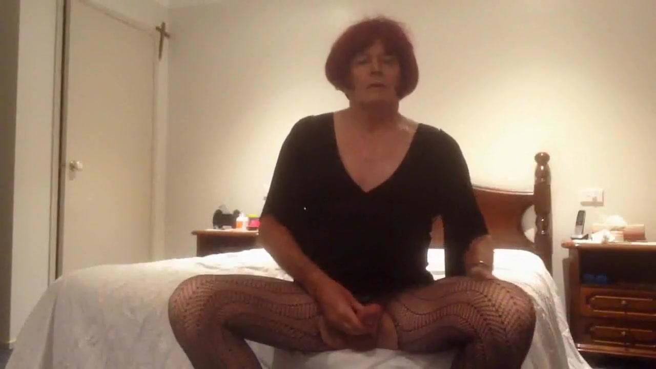 Horny 4 Online dating lots of views no emails