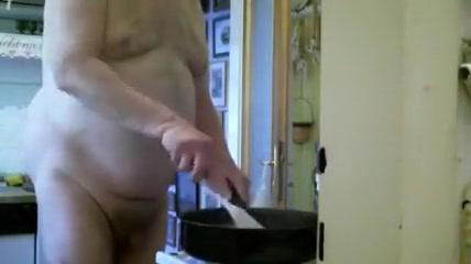 Grandpa cooking Masturebating with monster dildos