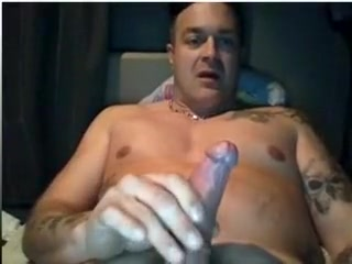 Hot maduro se hace una paja en la webcam watch free videos of girls getting fucked